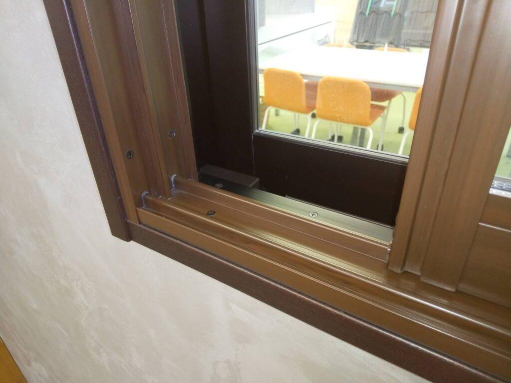 画像:(株)満天本社ショールーム 内窓 樹脂製枠
