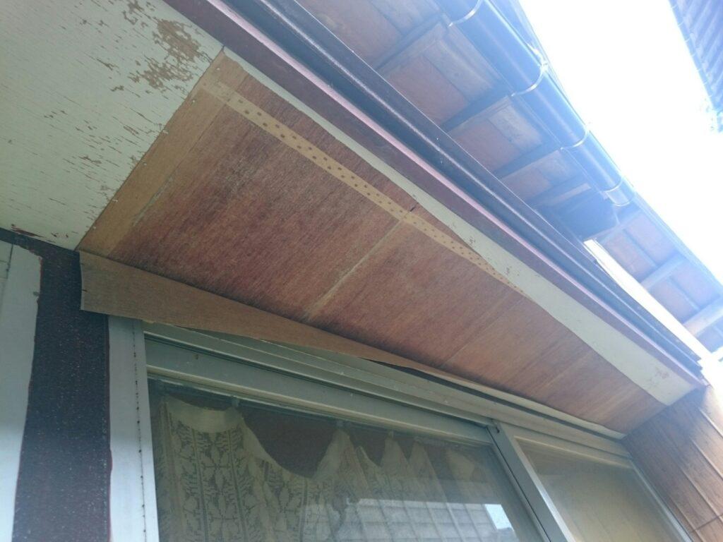 画像:軒天井 剥がれ