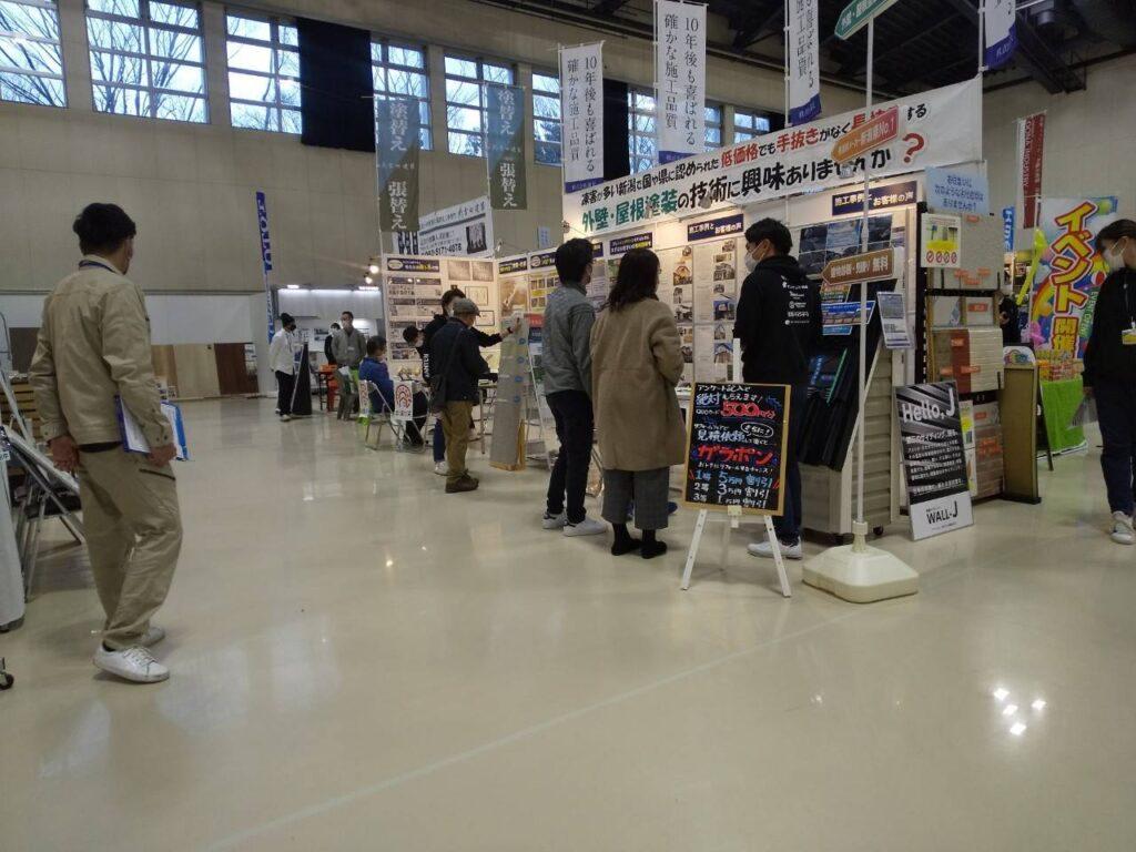 画像:リフォームフェア2021 新潟会場 満天ブース 接客①