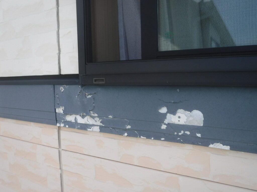 写真:幕板の塗膜剥離