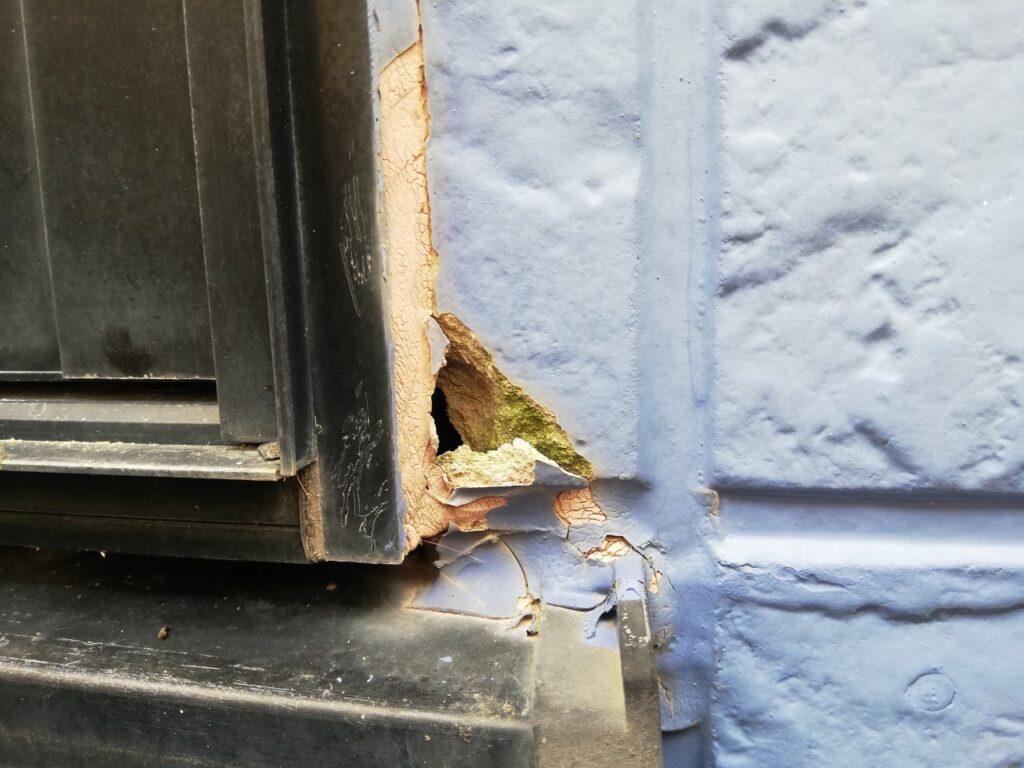 写真:外壁とサッシの取り合い