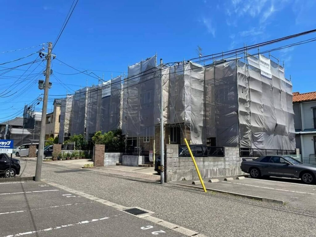 画像:新潟市西区 3棟並び 外壁塗装    同時工事